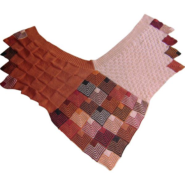 dominostrikket sjal med små tern 600x600