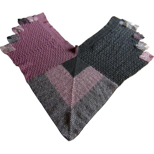 dominostrikket sjal med stor firkant 600x600
