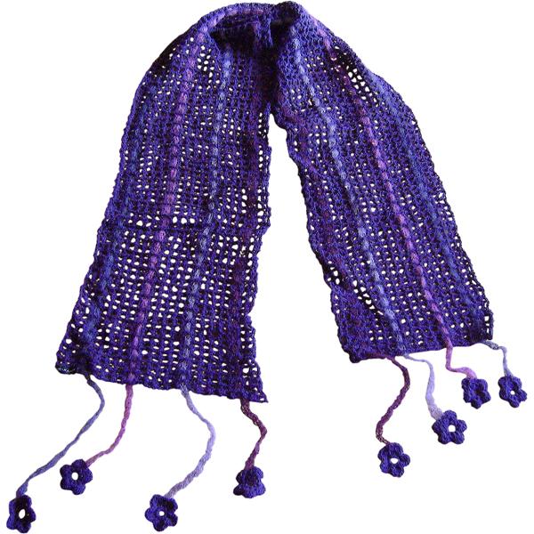 filethæklet tørklæde med blomster 600x600