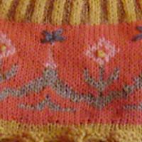 halstørklæde og hue i gul udsnit