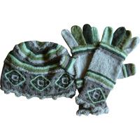 hue og handsker i grønt