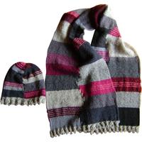 Halstørklæde og hue i restgarn