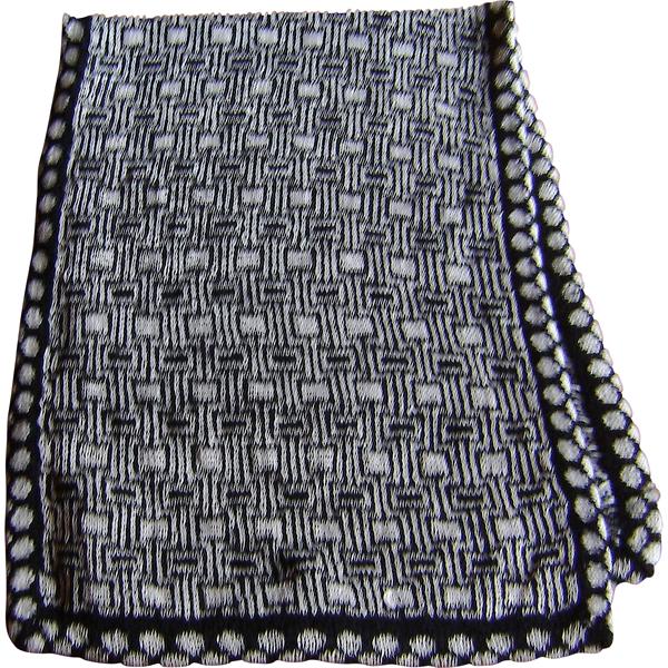 tørklæde i sort og hvidt 600x600